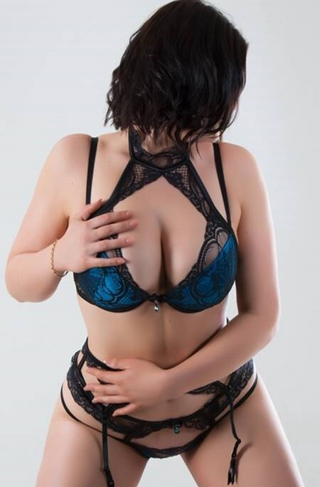 Danielle-Libertines Escorts Leeds, Leeds Escorts, Leeds Escort Agencies, outcall only best escort service within Yorkshire, sexy escorts, brunette, indian, slim and very adventurous.